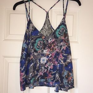 ASTR pretty abstract print top!! Never Worn!!